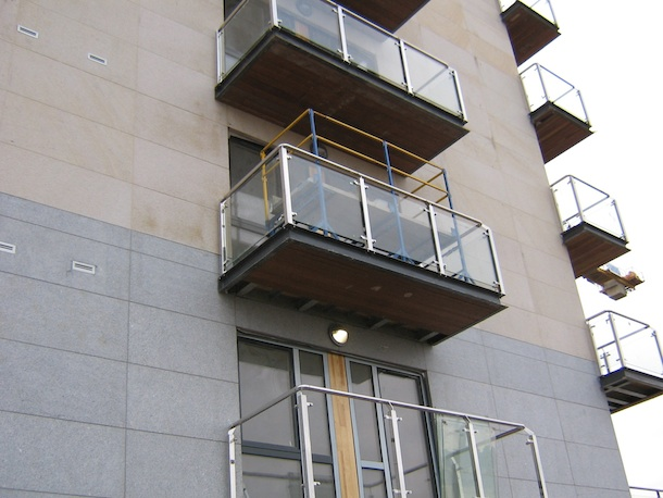 03 Balcony Soffit Cladding - Where there is limited access available and smaller components are required to distribute to the workface, SafeStand has proved invaluable, such as installing cladding to the soffits of balconies.